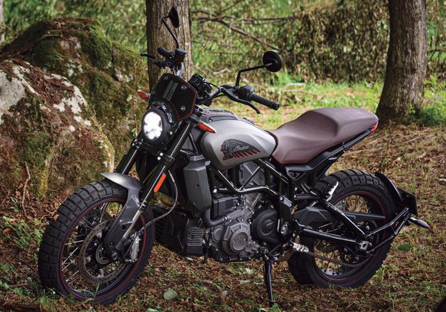画像: Indian MOTORCYCLE FTR Rally 全長×全幅×全高:2287×850×1297mm ホイールベース:1524mm シート高:840mm 車両重量:230kg エンジン形式 :水冷4ストロークV型2気筒DOHC4バルブ 総排気量:1203cc ボア×ストローク: 102×73.6mm 最高出力 :NA 最大トルク :12.2kg・m/6000rpm 燃料供給方式:FI 燃料タンク容量:13L 変速機形式:6速リターン タイヤサイズ前・後 :120/70R19・150/70R18 価格: 209万8000円~(消費税10%込)