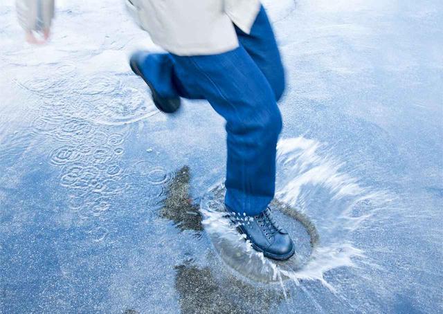 画像: 全天候に対応したジーンズ!? POWERAGEから「ウォータープルーフ ライダースパンツ」が登場! - webオートバイ