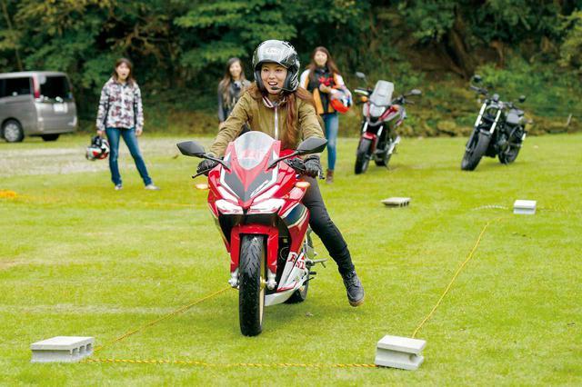 画像: バイク女子会bikoチーム 3人目(下川原リサ×CBR250RR)