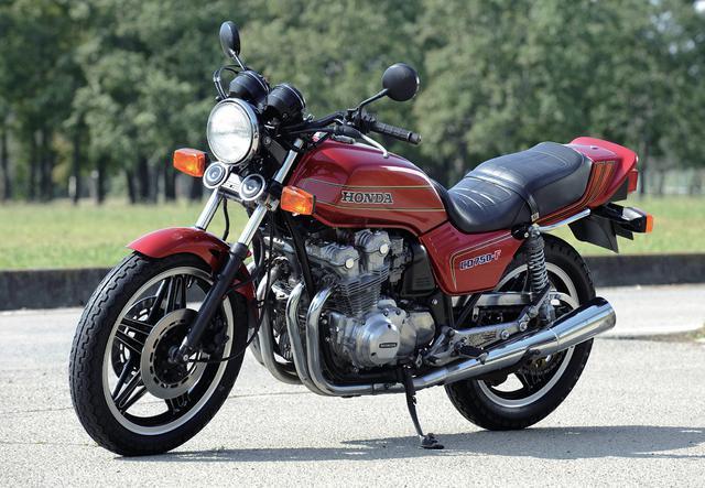 画像: HONDA CB750F 総排気量:748cc 発売年:1979年 当時の価格:53万8000円(1979年 CB750FZ)
