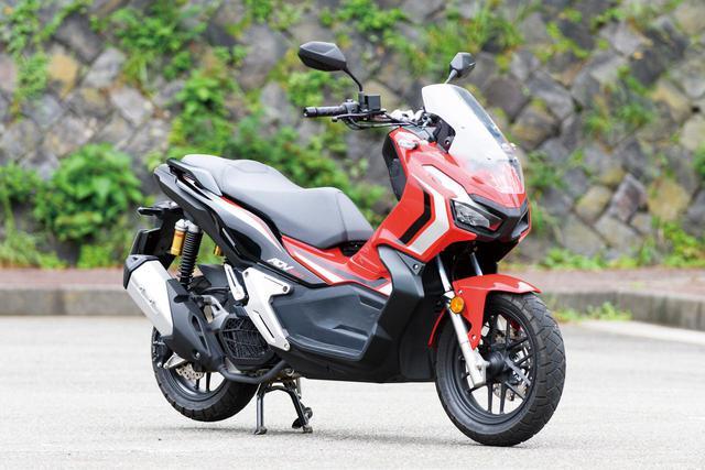 画像: Honda ADV150 総排気量:149cc エンジン形式:水冷4ストOHC2バルブ単気筒 シート高:795mm 車両重量:134kg メーカー希望小売価格(税込):45万1000円