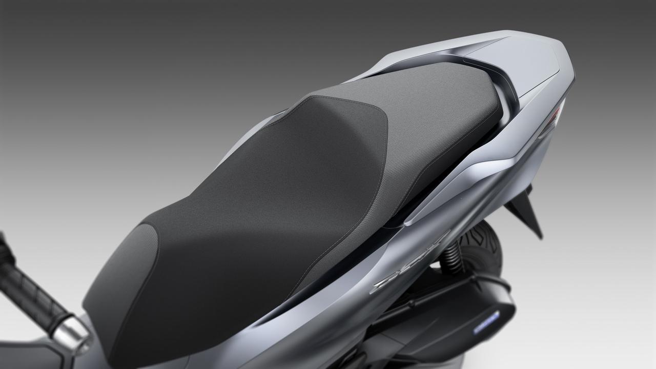 画像10: 新型PCX125は、スタイリング、フレーム、エンジンなどあらゆる部分が進化
