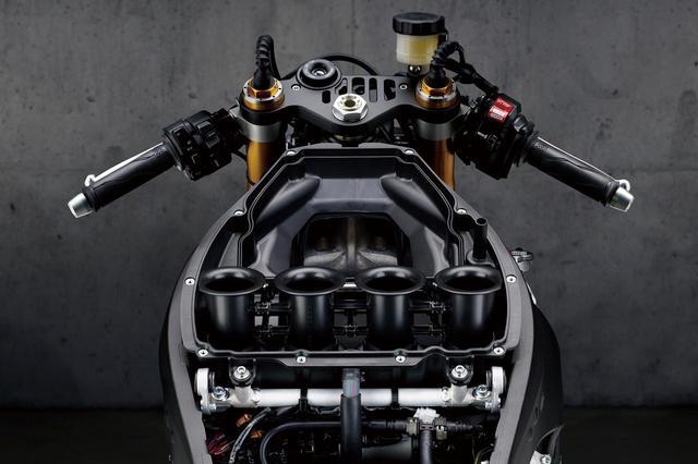 画像: スロットルバルブ下流の吸気容積が12%減少し、吸気効率が向上。10孔斜流インジェクターを採用、燃料噴射位置も最適化している。