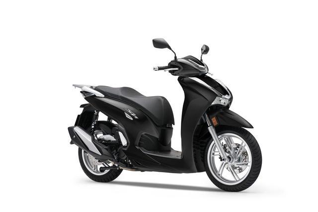 画像1: 【2021速報】ホンダが欧州で新型スクーター「SH350i」を発表! 50cc排気量アップ・シリーズ共通フェイスリフト・LCD多機能メーター採用などフルモデルチェンジ!