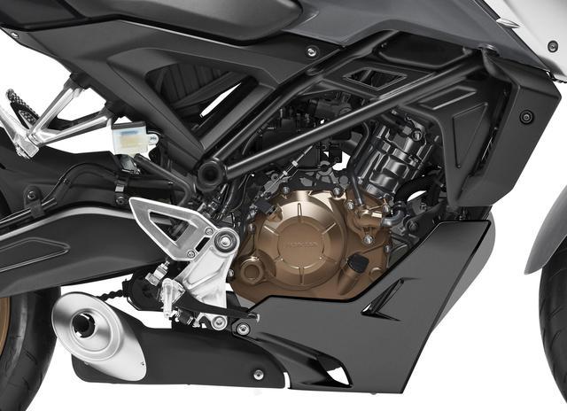 画像: 最高速は4km/hアップ! DOHC4バルブエンジンは、最高出力も最大トルクも向上!