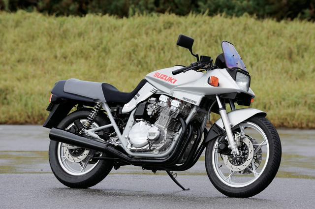 画像: SUZUKI GSX1100S KATANA 総排気量:1075cc 最高出力:111PS/8500rpm 最大トルク:9.8kg-m/6500rpm 発売年:1981年(輸出車)