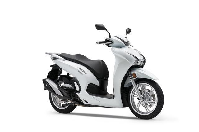 画像2: 【2021速報】ホンダが欧州で新型スクーター「SH350i」を発表! 50cc排気量アップ・シリーズ共通フェイスリフト・LCD多機能メーター採用などフルモデルチェンジ!