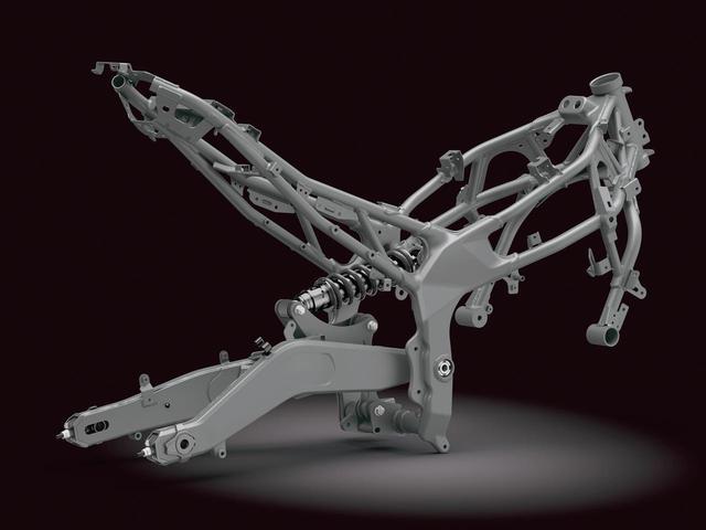画像: トレリス構造のメインビームにピボットプレートを組み合わせるのはCBRと同じ。コストと性能のバランスに優れた方式だ。