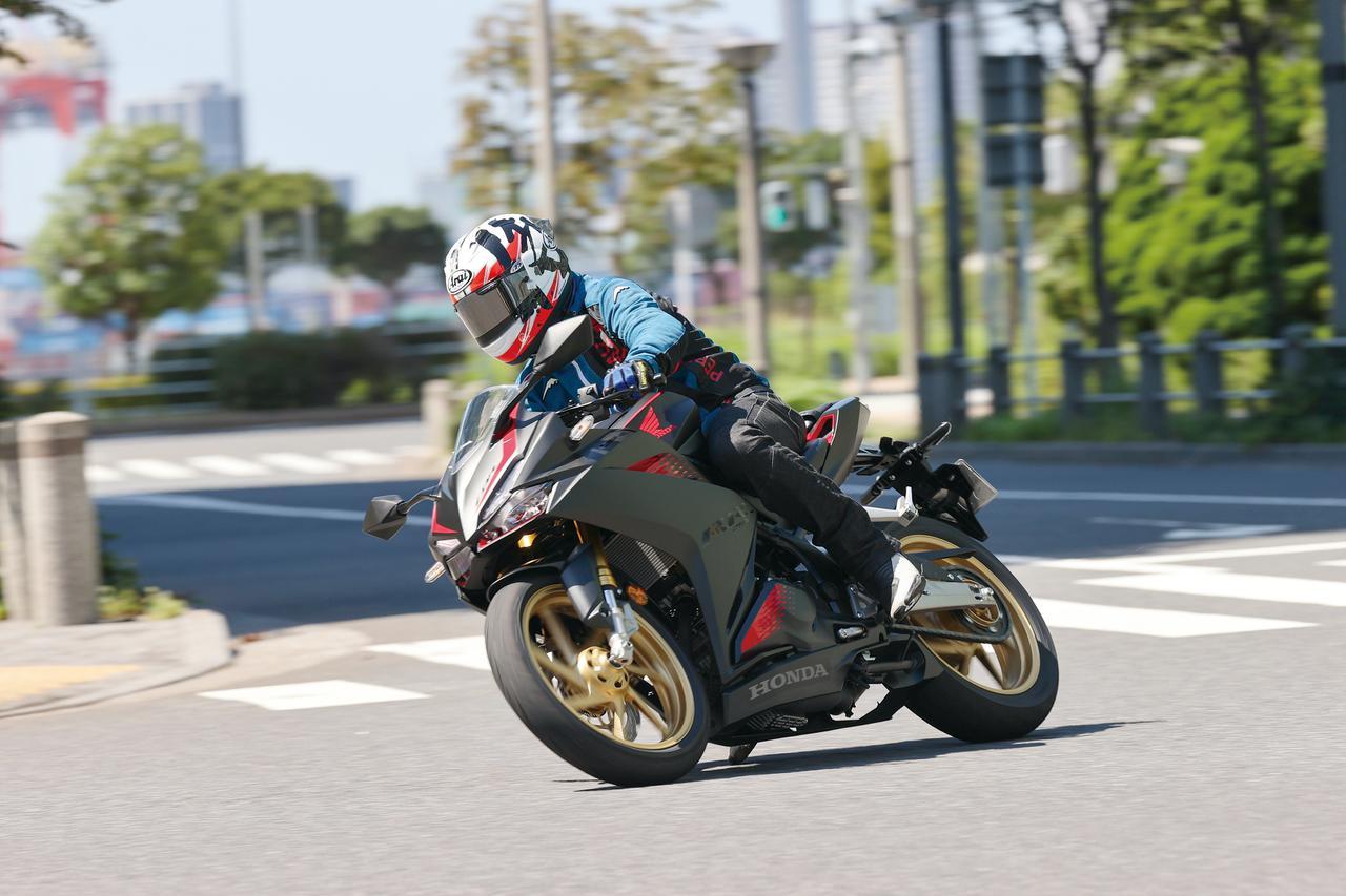 Images : 4番目の画像 - ホンダ「CBR250RR」・カワサキ「Ninja ZX-25R」 - webオートバイ