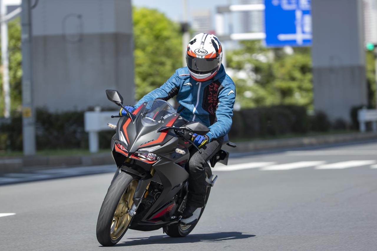 Images : 3番目の画像 - ホンダ「CBR250RR」・カワサキ「Ninja ZX-25R」 - webオートバイ