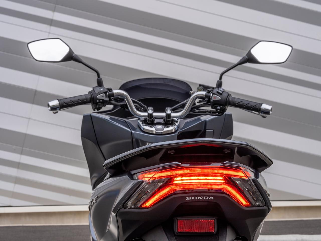 画像9: ホンダの原付二種「PCX」がフルモデルチェンジ! 日本でも2021年モデルとして発売予定【2021速報】