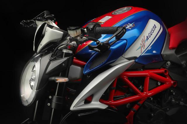 画像: 世界限定200台!MVアグスタ「DRAGSTER 800 RR AMERICA」新発売 - webオートバイ