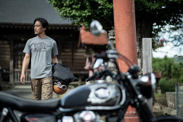 画像: レトロでおしゃれな普段から着用できるメグロTシャツとメグロキャップ