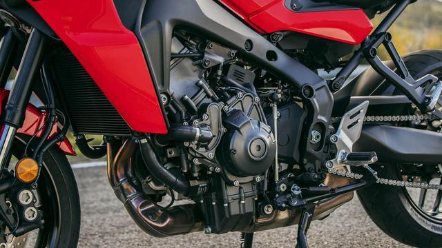 画像1: 890ccエンジンはパワー、トルクともに増強。フレームもCFダイキャスト