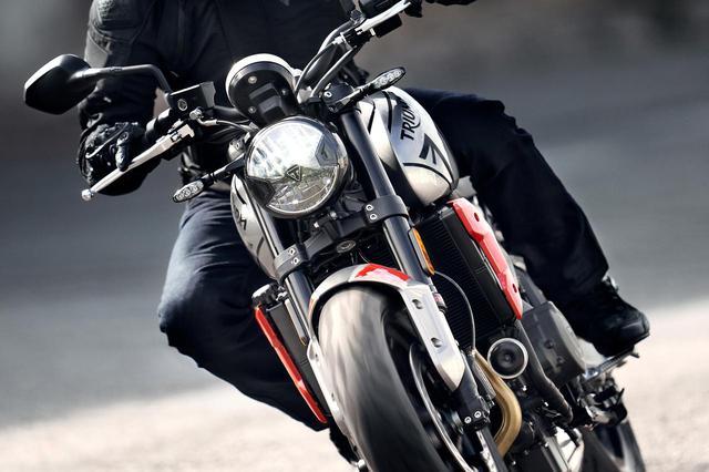 画像: 【2021速報】トライアンフが新型車「トライデント660」を正式発表! 日本では100万円をきって2021年1月に発売! - webオートバイ