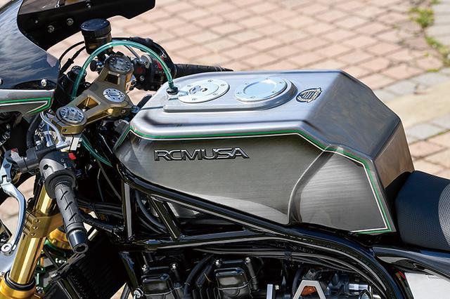 画像: 燃料タンクはアルミで製作(A16各車に合わせ作られるもの。ZスタイルのA16Sではアルミタンク+カバー仕様も選べる)、マウント類もすべても新作だ。