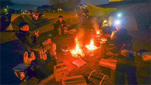 画像3: そして日は暮れて…いよいよキャンプの夜が始まる