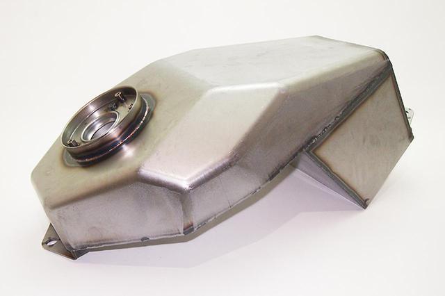 画像: Z900RSを自在に変化させるキーパーツ! ドレミコレクションのインナータンクが発売 - webオートバイ