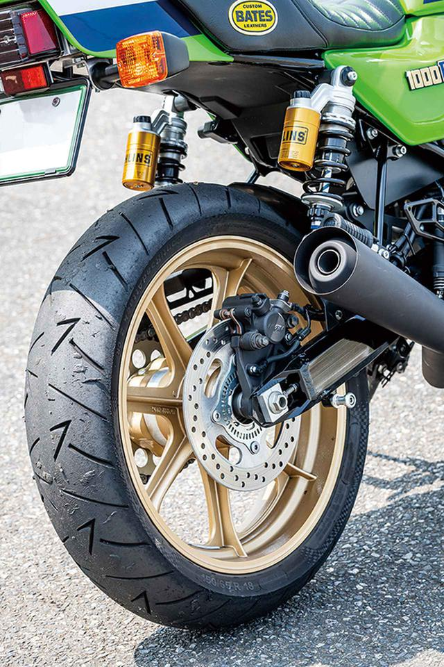 画像: 前後18インチのモーリスMAGホイールを装着。タイヤはコンチネンタルのロードアタック2 CRを前後に履く。