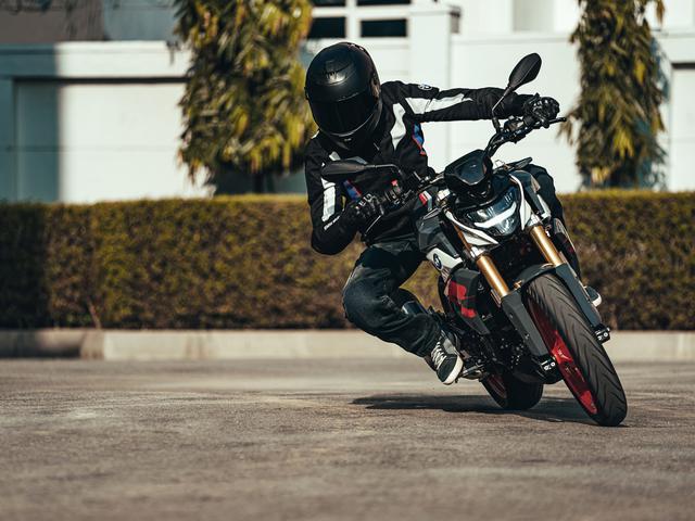 画像: BMW 新型 G 310 R 総排気量:313cc エンジン形式:水冷4ストDOHC4バルブ単気筒 シート高:785mm 車両重量:158.5kg