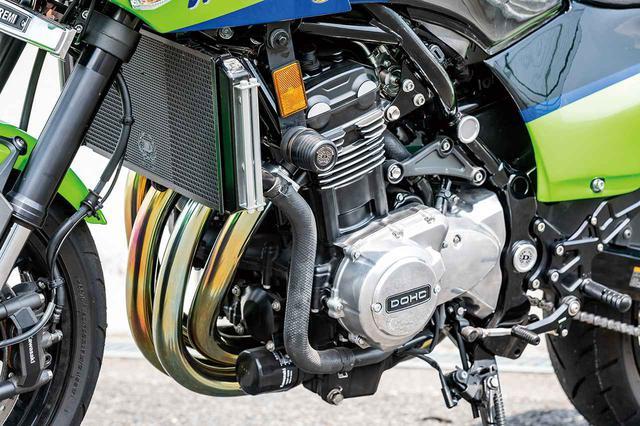 画像: エンジンのポイントカバーやフォークカバーエンブレム、ステップなどもドレミコレクションのオリジナルアイテムだ。