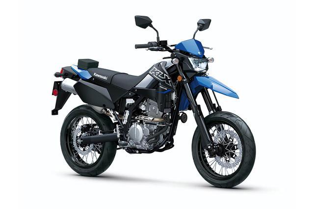 画像: Kawasaki KLX300SM (米国仕様) 総排気量:292cc エンジン形式:水冷4ストDOHC単気筒 シート高:約861mm 車両重量:約138kg