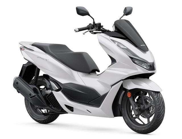 画像: ホンダ 新型「PCX」 総排気量:125cc エンジン形式:水冷4ストSOHC4バルブ単気筒 シート高:764mm 車両重量:130kg ※写真・スペックは欧州仕様(欧州ではPCX125という名称で発表)