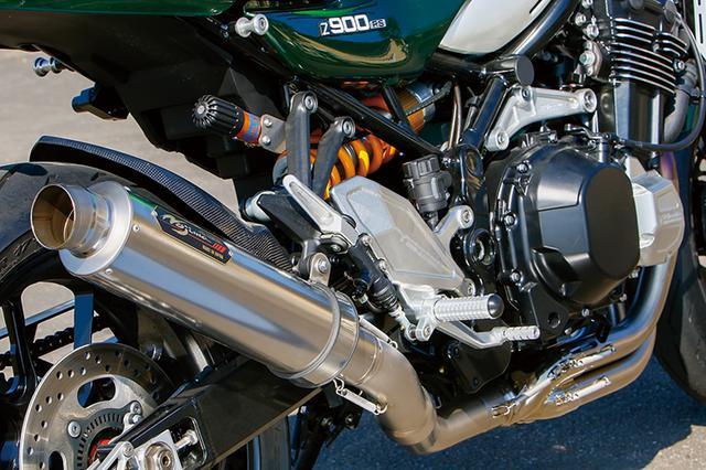 画像: エンジンはノーマルで、排気系はスパイラルコレクターを持つノジマエンジニアリング・フルチタン。エンジンハンガーも3Dビレット。