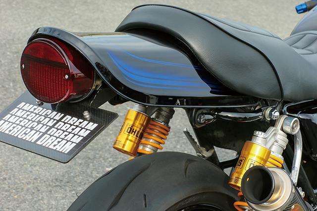 画像: 塗装はZ1000A2ラインをアレンジしシートも貼り替えている。リヤ側ウインカーはグラブバー後部に装着されているのが分かるだろうか。