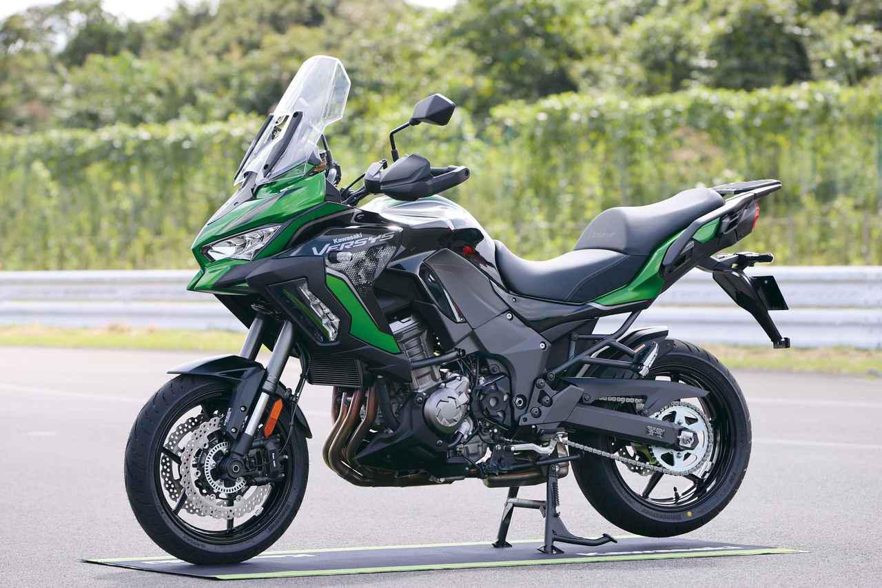画像: Kawasaki VERSYS 1000 SE (2021年モデル) 総排気量:1043cc エンジン形式:水冷4ストDOHC4バルブ並列4気筒 最高出力:120PS/9000rpm 最大トルク:10.4㎏-m/7500rpm シート高:840mm 車両重量:255kg 国内販売価格と発売時期は未定