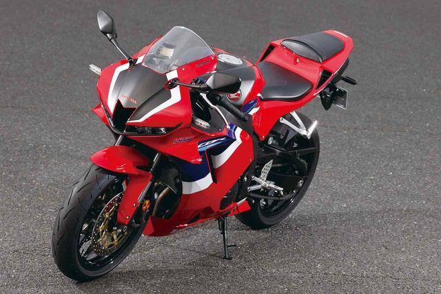画像: Honda CBR600RR 総排気量:599cc エンジン形式:水冷4ストDOHC4バルブ並列4気筒 最高出力:121PS/14000rpm 最大トルク:6.5kgf・m/11500rpm シート高:820mm 車両重量:194kg 発売日:2020年9月25日 メーカー希望小売価格:160万6000円(消費税10%込)