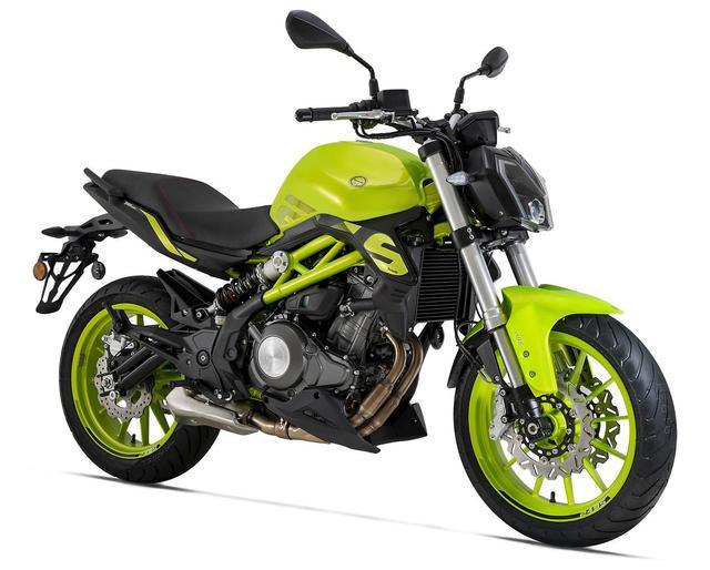 画像1: ベネリ「TNT249S」の日本での正規販売が決定! ヨーロピアンデザインの水冷2気筒250ccネイキッドバイク【2021速報】