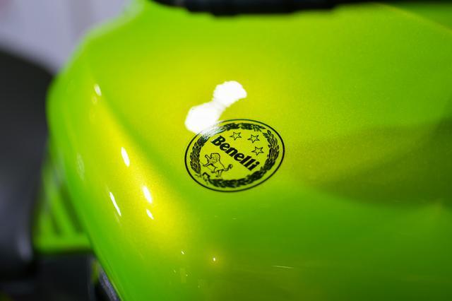 画像: スペシャルエディションのグリーンは、その名にふさわしい美しい塗装が施される。