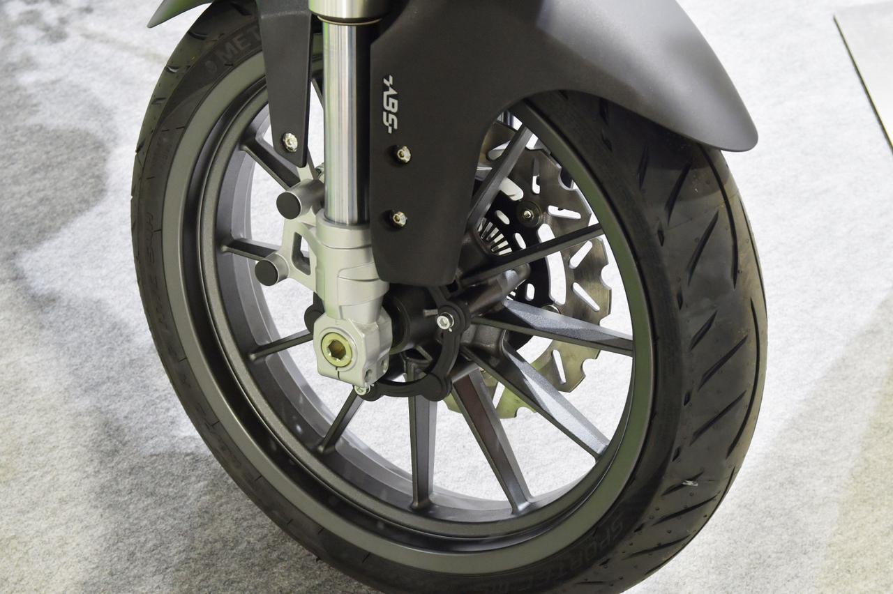 Images : 5番目の画像 - 【写真9枚】ベネリ「TRK251」 - webオートバイ