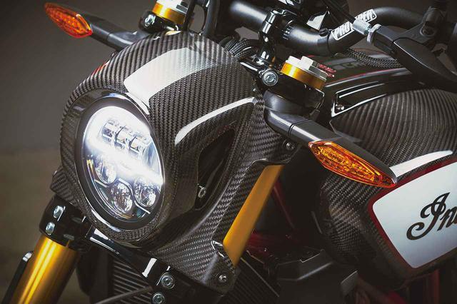 画像: 各部に纏う圧倒的なほどのカーボン! インディアンのFTRシリーズでもっとも豪華な「FTR CARBON」を解説 - webオートバイ