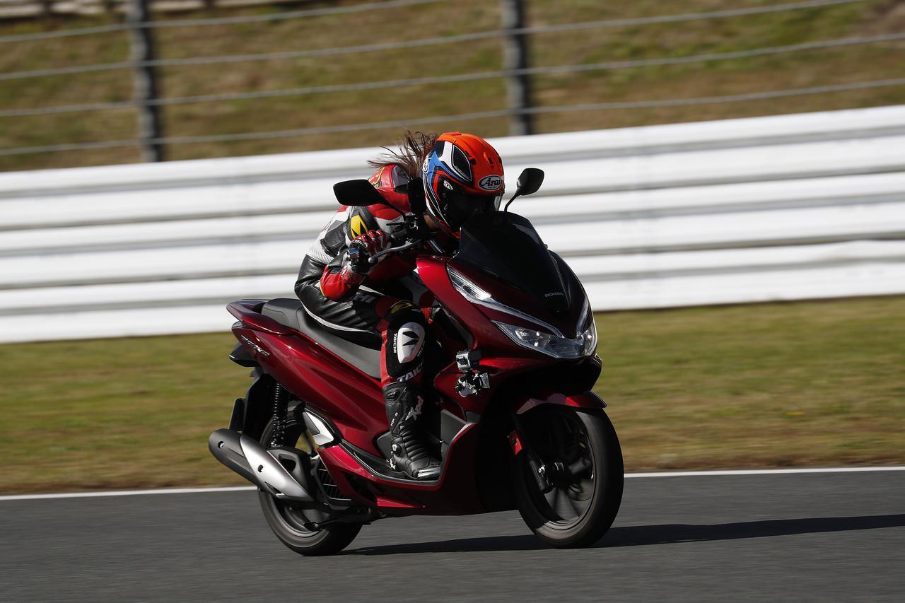 画像: 「ホンダ PCX150」の最高速は? 約1.5kmのストレートで最高速チャレンジ! - webオートバイ