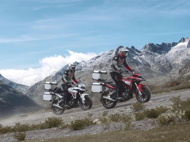 画像: ベネリ「TRK251」日本発売間近! 250ccアドベンチャーバイクに新たな選択肢が加わった【2021速報】 - webオートバイ