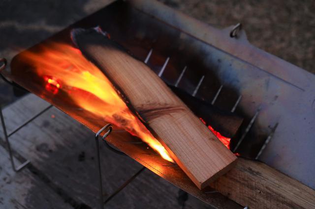 画像1: 寒いので焚き火をするのだ。