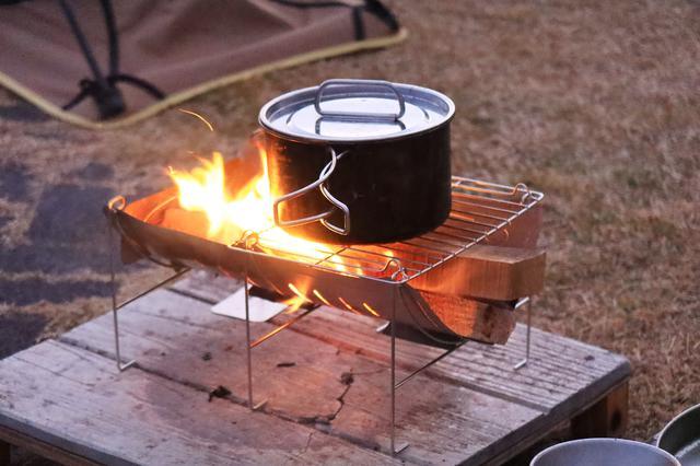 画像2: 寒いので焚き火をするのだ。