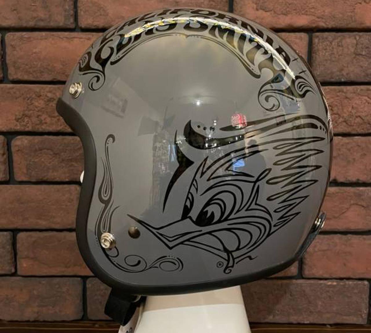 画像2: クレイスミスのアジア限定ヘルメットが登場! カラーは2色で展開