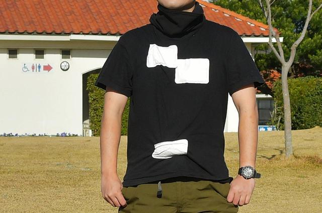 画像: ベースレイヤー(Tシャツ+貼るカイロ)