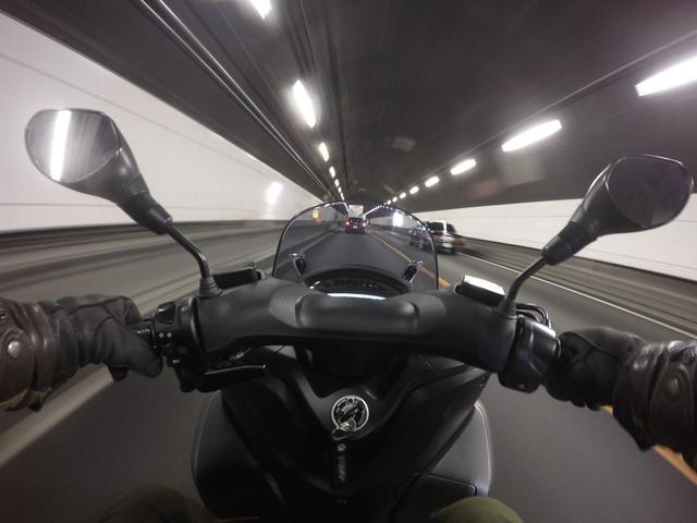 画像1: トリシティ155の特徴② 三輪の安定感は長距離走行を快適にする!