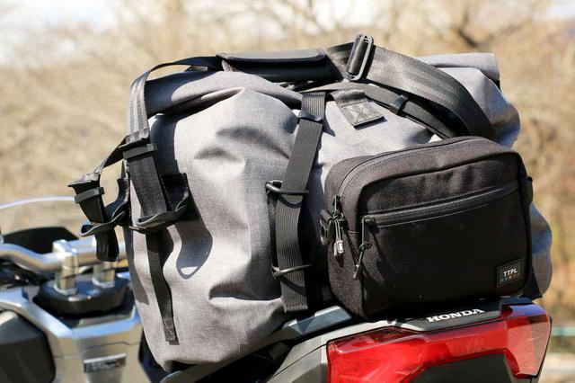 画像: やっと出会えた理想の防水バッグ! TTPL新型「touring25/40/60」は泊まりがけのバイクツーリングを支えるタフネス・ギアだ! - webオートバイ