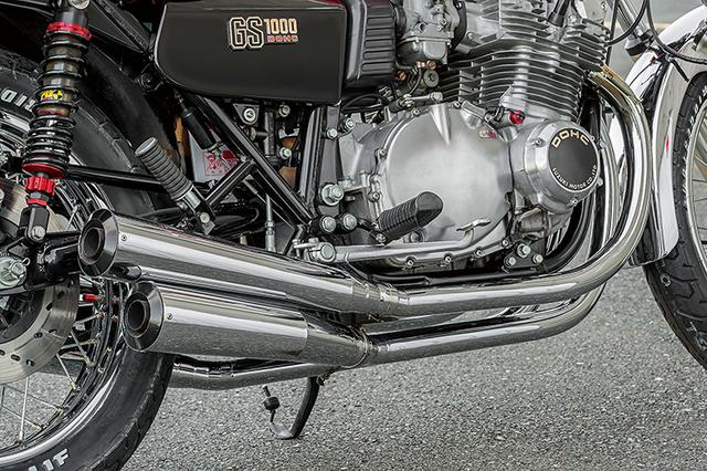 画像: フロント/サイド/リヤといずれも独特のルックスを見せるマフラーはスーパーバイクによるワンオフ品で、スチール+めっきの4-4。