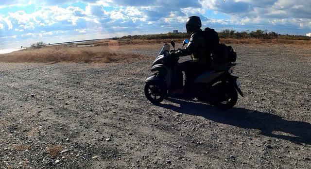 画像: このくらいの砂利道はノーマルタイヤでも楽勝!