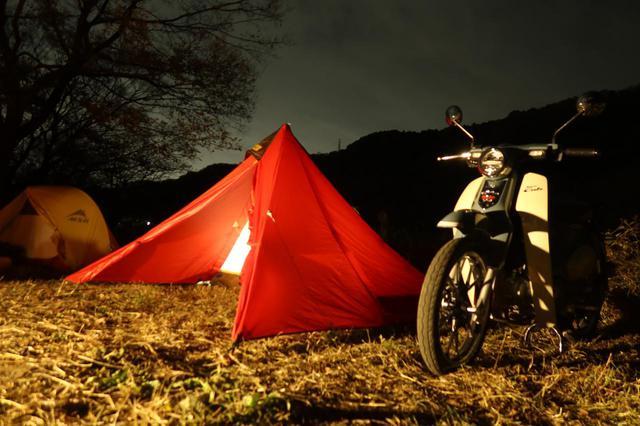 画像: 赤や黄色のテントは夜も中に灯りを仕込むことで映えます。