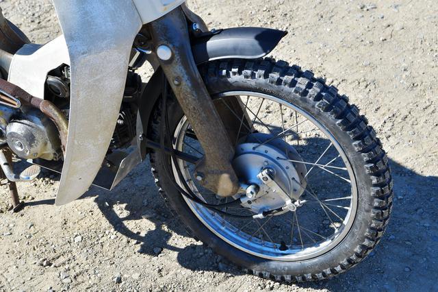 画像: 2.75のブロックタイヤは、フェンダー変えてもかなりギリギリ。