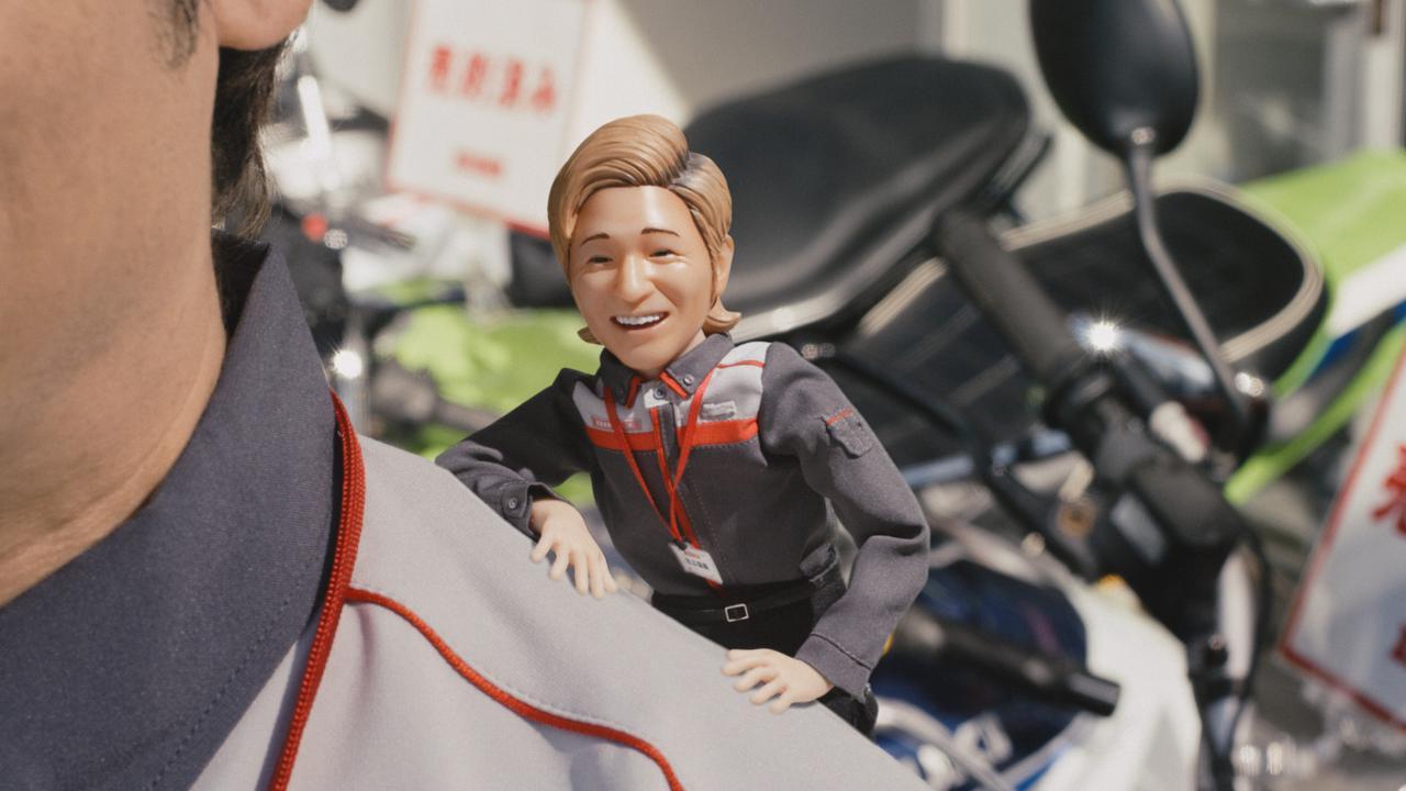 画像: 買取利用率No.1 のバイク王。その理由は、新CMに登場するミニつるの店長が教えてくれる。