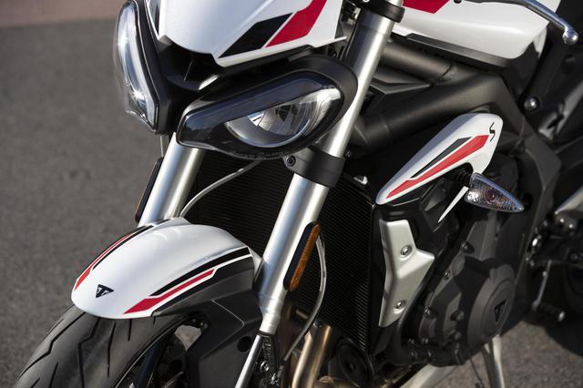 画像: トライアンフ新型「ストリートトリプルS」- webオートバイ