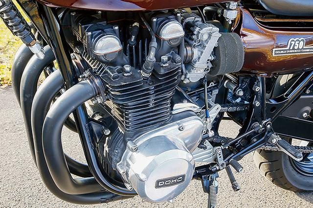 画像: エンジンはZ2のφ64×58mmをベースにヨシムラピストンで860cc化、カムもヨシムラST-1を組む。オイルクーラーは純正流用品をセットしている。